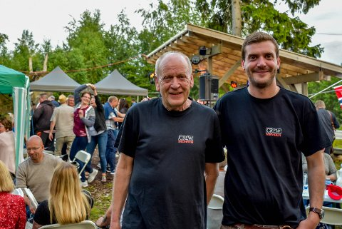 Zulukongen, Thor Nilsen (64) og sønnen, Martin Nilsen (32) er fornøyd med Zulufestivalen.