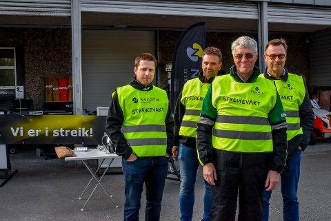 Anders Stensrud (30), Mikael Dalen (47), Ove Holta (61) og Jürgen Høie (62) jobber hos Felleskjøpet Agir i Mysen. De har ikke streket mens de har jobbet for bedriften.