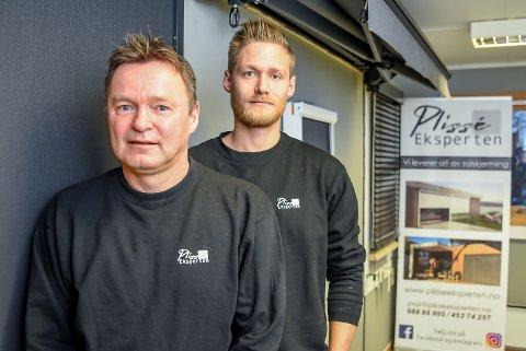 Geir Hagen (55) og sønnen Chris Hagen (31) startet Plisséeksperten sammen i 2019.