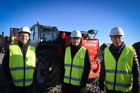 BYGGER MER: Entrepremør Rino Rostad, Kristian og Terje Andersen i AD Utvikling.