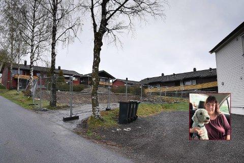 BRANNTOMT: Her sto Vanja Andersens bolig i Grinibakken.