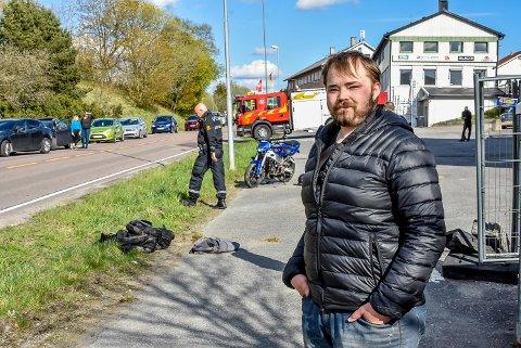 Kim André Furuichi hadde vært på langtur med kameraten. Like før de kom hjem mistet kameraten kontrollen på motorsykkelen sin.