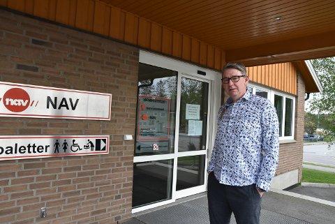 BEKYMRET: Jan Ivar Lorentzen  (Ap) lurer på hvorfor folk kommer til lukkede dører i kommunen.