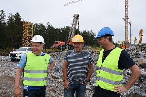 BEFARING: Virksomhetsleder Øyvind Thømt, anleggsleder John Øivind Opsahl (Eivind Engseth Entreprenør) og Jørn Stamm (Sweco).