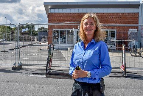 Butikksjef på Vinmonopolet i Askim, Line Schie Andersen.
