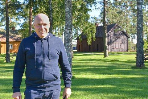 GLEDER SEG: Virksomhetsleder Øyvind Thømt ser frem til å sykle til byggeprosjekter for befaring.