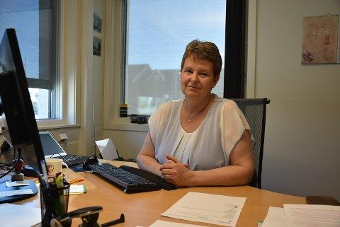 KREVENDE: Ordfører Anne Grethe Larsen sier nyheten om at de blir fratatt doser er krevende for dem som står i vaksinekø.