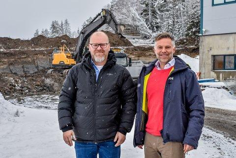 Daglig leder Helge Gabriel Lundeby og produksjonssjef Thomas Bratli er fornøyd med den nye avtalen.
