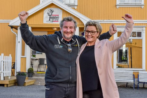 Stein Wassum og Inger Helene Lindemann Wassum, innehaverne av Tomter café og bar.