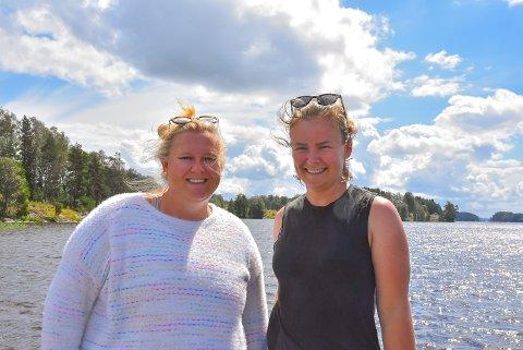 FERIEFABRIKK: Ida Elisabeth Harddal og Kristin Skjøtskift er to av de fire som står bak sommerleiren på Ørje. Hilde Ringdal og Marit Skjøtskift er de to andre.