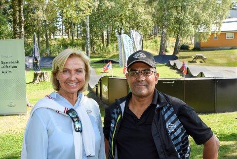 EN HEDERSMANN: Idrettspresident Berit Kjøll omtaler Samir Tawfiq fra Askim som en hedersmann. Hun er stolt over å ha en så engasjert og positiv kar i idretten. For kreftsyke Samir Tawfiq varmer slike or.
