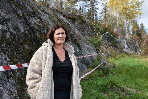 VIL UNDERSØKE: Eirin Solberg, styrer i Finlandsskogen barnehage, håper å bevare klaterveggen.