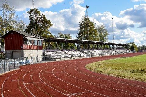 ASKIM STADION: Det var under en juniorkamp mellom Askim og Kvik Halden at enkelte spillere skal ha blitt mobbet, hetset og sjikanert fra tribunen.