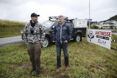 Jaktmesse: I 2019 var det en spent John Petter Mellingen (Jegerpodden) og Steinar Vesterdal (Holbergs Auto, np Nordvik Steinkjer) som kunne konstatere at jaktmessen Asphaugen Game Fair gikk over all forventning med over 3000 besøkende.