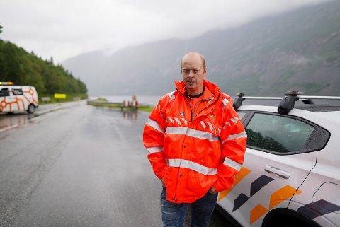 GJENÅPNES: E16 gjennom Vang ble åpnet for gjennomkjøring like etter klokken ti torsdag, ifølge Bjørn Kristian Bråten i Statens vegvesen.