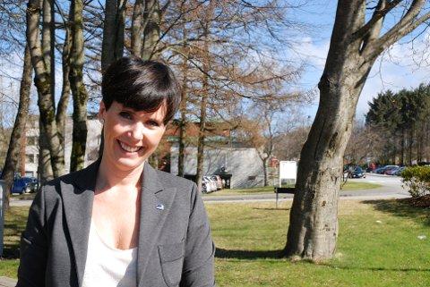 Høyre-politiker Janne Stangeland Rege forsikrer at kommunen nå tar grep for å få orden på renholdet på Sola sjukeheim.