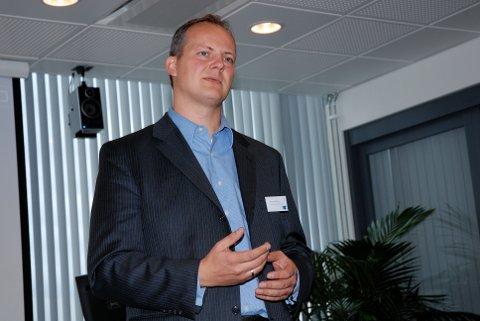 Samferdselsminister Ketil Solvik-Olsen sier det er gledelig at lokale Ap-politikere synes å være bekymret for bompenger.