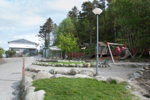 Røyneberg barnehage har flyttet inn i midlertidige lokaler, i påvente av at ny barnehage skal bygges. Med flyttingen har de også besluttet å legge ned friluftsavdelingen.