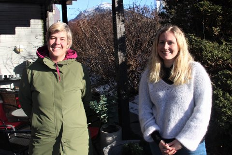 NY GLANSTID: Laila Ravndal, som driver Dalen Lefsebakeri, og sentrumsleder på Jørpeland, Elin Aasheim Rossemyr, håper torghandel kan få ny glanstid på Jørpeland.