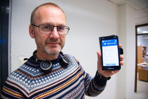 """Enhetsleder Per Ole Austmo har store forventninger til appen """"Meld en feil"""", som enhet vei, trafikk og park nå har tatt i bruk."""