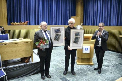 KULTURPRISEN:  Gunnar Aftret og Felix Fagerholt i Egge visjon fikk Steinkjer kommunes kulturpris i 2019. Her sammen med tidligere ordfører Bjørn Arild Gram.