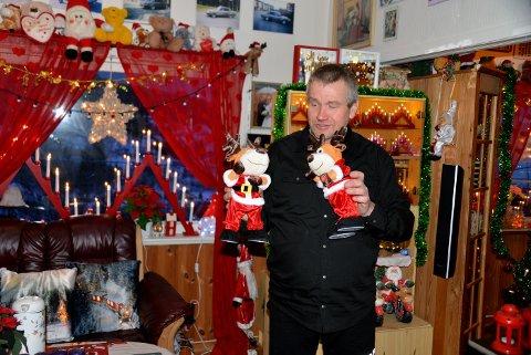 JULEKONGEN: Kjell Asp overlater ingenting til tilfeldighetne når han setter huset sitt i julemodus. Når han er ferdig med all pyntinga til jul, er det kanpt en ledig plass.