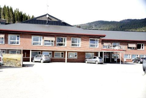 GAMMELT: Malm sykehjem er over 30 år, og det har manglende vedlikehold. Nå planlegges det nytt bosenter med 32 HDO-plasser.