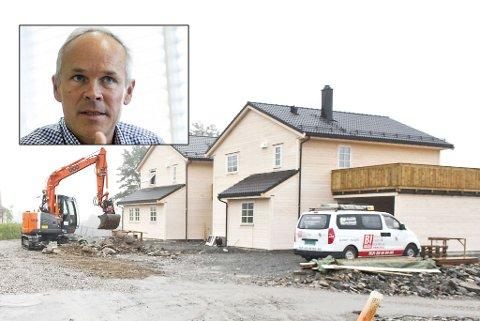 BYGG: Jan Tore Sanner mener det nå er enklere å bygge enn før.