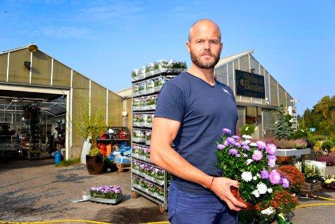 Bjarne Bryn ber kommunetoppene gjøre unntak for enkelte butikker ved eventuell nedstenging.