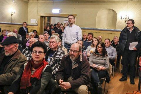 STERKT MOTSTAND: Motstanden mot å lagre avfallet fra Søve gruve i Borge var tydelig under folkemøtet i Bøndernes hus for et par uker siden.
