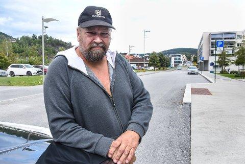 FORBANNA: Tom Erik Odden likte dårlig politiets håndtering av rånernes treff lørdag. Han mener det førte til at unge mennesker følte seg uvelkomne i Notodden. Foto: Beate Evensen