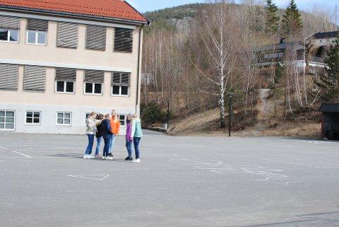 SKRÅNINGA: Nissedal kommune ønsker å bygge en åpen og inkluderende møteplass for både unge og voksne ved skolen og flerbrukshuset i kommunen.