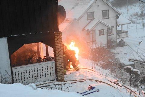 Brannvesenet fikk lempet ut propantanken.
