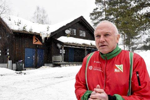 Hytta: Leder i Notodden orienteringslag, Hugo Christensen regner med at klubben blir bankerott når de nå skal ruste opp klubbhytta på Tinnemyra.