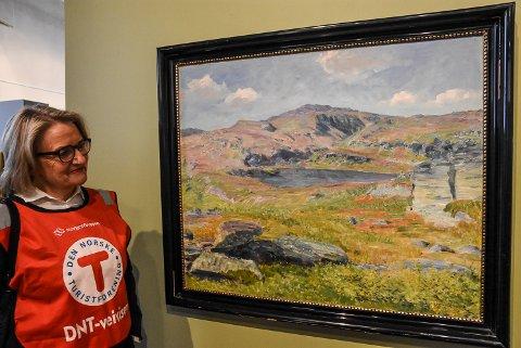 LIFJELL: Rondane, Jotunheimen, Gaustatoppen, Rjukanfossen og mange kjente motiver pryder utstillingen. Men det gjør også dette bildet fra Lifjell - som til daglig henger hjemme på veggen til Mari Beitnes.