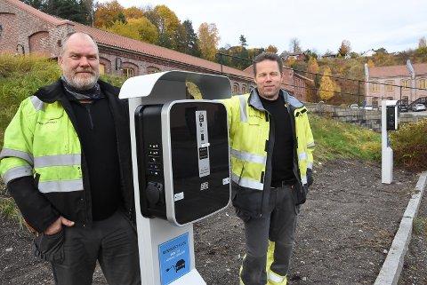 STRØM: Nå tilbyr også Borgar Johnsen og Olav Ingolfsrud på Tinfos på Notodden strøm til el-bilkjørerne i byen. Lokalprodusert strøm!