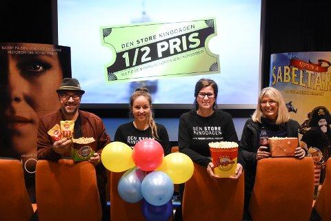 TOPP DAG: Geir Jensen, Kaia Hortemo Skåttet, Maren Hagen og Arna Ljosland gleder seg til Den store kinodagen lørdag. Med 14 filmer, popcorn i bøttevis, konkurranser, leker og kos blir det en super dag på jobb for de ansatte på Notodden kino.