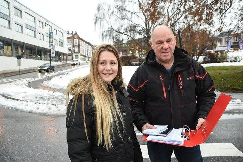 FOLKETALL: Christine Nyhagen og Borgar Løberg i Notodden SV er opptatt å stoppe nedgangen i folketallet i kommunen. Boligtiltak for unge folk er et viktig tiltak, mener de.