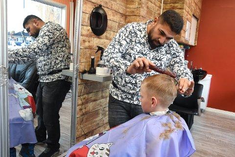 NYE REGLER: Chaplin frisør  er en av salongene som  kommer til å få en ny arbeidssituasjon etter oppstart.