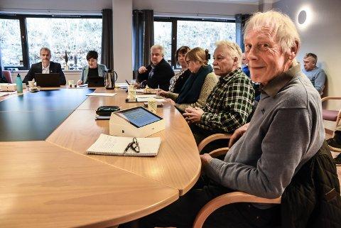 FØRSTE GANG: Nils Angar fra Hjuksebø hadde sitt første med Notodden-politikken i Notodden formannskap torsdag. Han føler seg godt tatt imot i sin nye kommune.