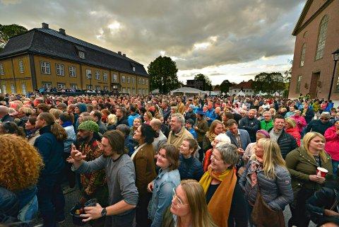 IKKE BRA NOK: Tross bra billettsalg til årets jazzfestival, ser det ut til at regnskapet går i minus. Bildet er fra konserten på Kirketorget med Ms. Lauryn Hill.