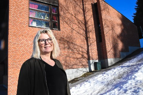 NYANSATT: Beate Lorentzen Eie er ny rektor på Hjuksebø Montessoriskole fra 1. mars. - Jeg gleder meg til å komme i gang, sier hun.