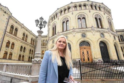 TAR OPP SAKEN: Åslaug Sem-Jacobsen tar opp saken om frivilligsentralene på Stortinget.