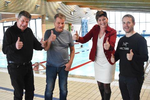 COMEBACK: Gunnar Hagen, Johnny Amundsen, ordfører Gry Fuglestveit og idrettskonsulent Sindre Flø - starter opp igjen morgensvømming på Tinfosbadet om få dager.