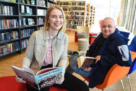 MERÅPENT BIBLIOTEK: Kristine Helliesen (Rødt) og Terje Nyvoll (KrF) ønsker at enda flere skal bruke biblioteket - og tror løsningen er en mer fleksibel åpningstid.