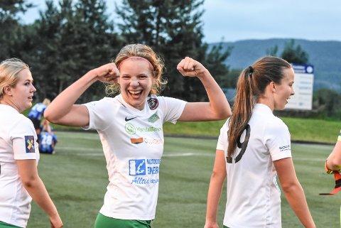 MATCHVINNER: Guro Østland Vala ble kveldens helt. Med strak vrist hamret hun inn seiersmålet.