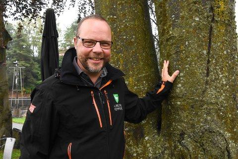 Listetoppen: Bengt Halvard Odden (41 år) klør etter å få fortsette som frontfigur for Hjartdal kommune og er svært spent på utfallet av kommunevalget.