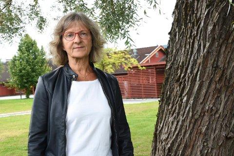 HAR KONTROLL FORELØPIG: Kommuneoverlege Mie Jørgensen er glad for at folk er flinke til å ta ansvar og følge smittevernrådene. At det blir noen flere smittede lokalt mener hun er naturlig, men hun håper det ikke blir mange.