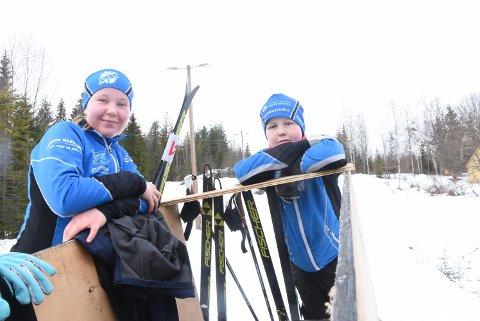 KONKURRERER I DET MESTE: Søskenparet Vilde og Torkild Nyheim Folseraas kjemper en intern kamp - om å bli best i skisporet - og i mye annet.