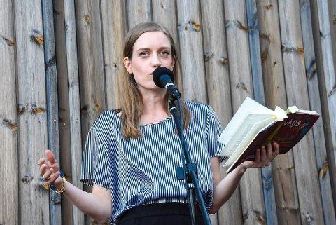 """PRISNOMINERT: Amalie Kasin Lerstang er nominert for boka """"Vårs"""", som tar for seg arbeiderklasse-erfaringer på Notodden."""